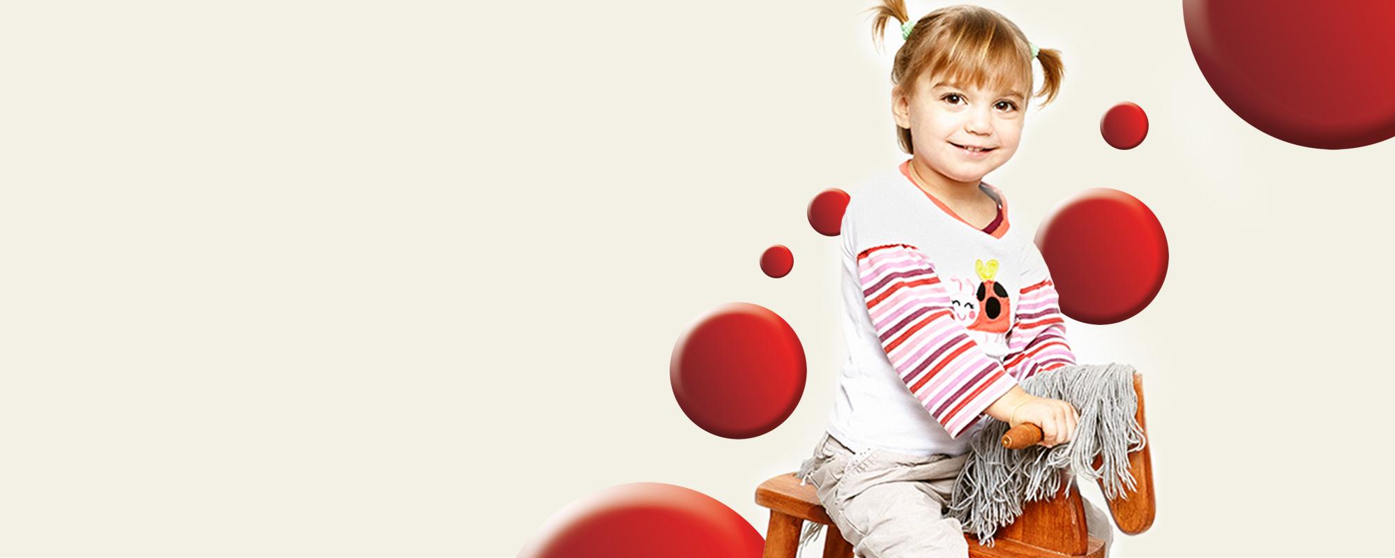 Léna, az első magyar kislány Segítő Kéz Programunkban
